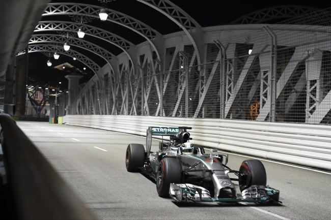 Lewis Hamilton gana en Singapur