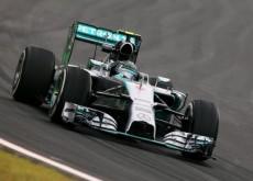 Nico Rosberg sigue en cabeza en Interlagos