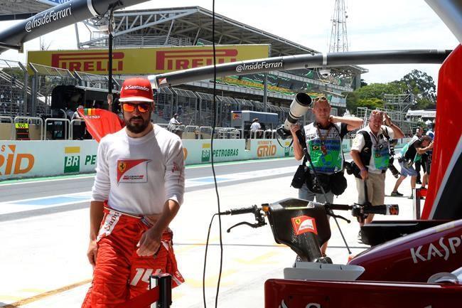 Fernando Alonso Paddock Brasil