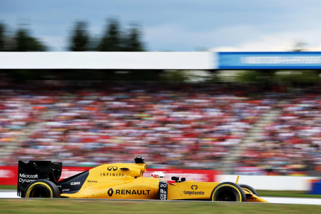HOCKENHEIM, GERMANY - JULY 31: Kevin Magnussen of Denmark driving the (20) Renault Sport Formula One Team Renault RS16 Renault RE16 turbo on track during the Formula One Grand Prix of Germany at Hockenheimring on July 31, 2016 in Hockenheim, Germany.  (Photo by Charles Coates/Getty Images)