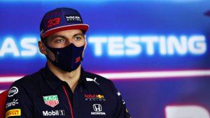 Max Verstappen no se cree el teatro que Mercedes hizo en los test